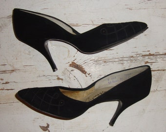 Vintage 1950's-60's Black Suede Stiletto High Heels with Braid and Black Studs * Size 7AAA