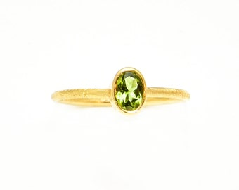 Gold Peridot Ring-Green Peridot Ring-14K Yellow Gold Ring-Birthday Stone Ring-Stacking Ring-Engagement Ring-Anniversary Ring-Dainty Ring