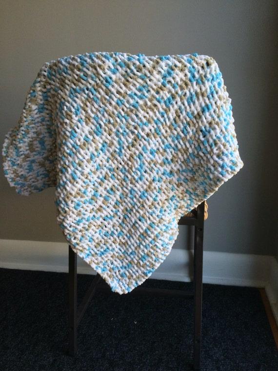 Knitting Pattern Cat Blanket : cat blanket / knit cat blanket / pet blanket / knit by Saigefyre