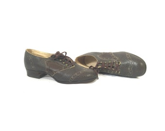 1920's Oxford Heels | NOS Roberts, Johnson, & Rand Brown Grain Lace Up Oxford Heels | Size: 3