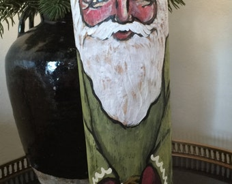 Driftwood santa in green and gold