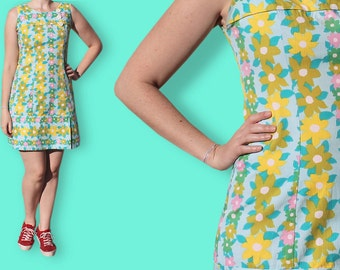 60s Fitted Blue Dress - Bold Flower Print Babydoll Dress - Sleeveless Floral Mod Dress - Clueless Mini Dress with Multicolore daisy print