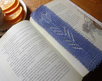 Knit Tulip Bookmark.
