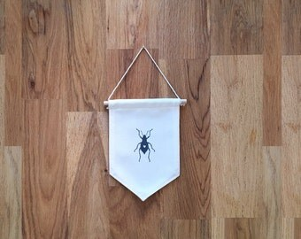COTTON flag - printed black and white insect
