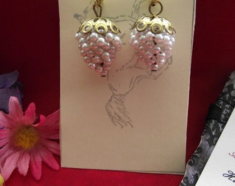 E-0565 - Pearl Grape Bunch earrings - Renaissance Earrings, Civil War Earrings, Reenactor
