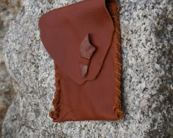 Leather pouch, Rustic Leather Hip Pouch, Rustic Hip Bag,Boho Belt Bag, Leather Hip Bag with Wooden Closure