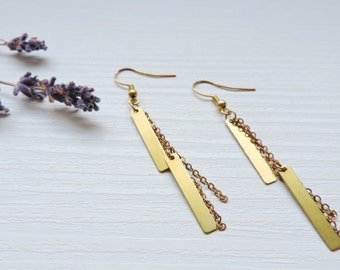 Earrings Fire, long, drooping, golden, geometric, graphic, modern, chic