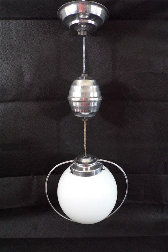 suspension monte et baisse vintage opaline blanche lustre. Black Bedroom Furniture Sets. Home Design Ideas
