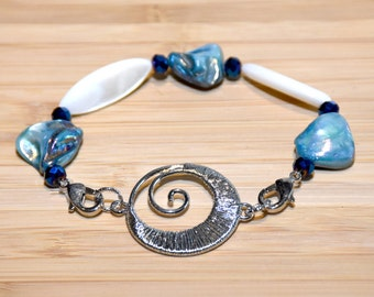 Beach Jewelry, Beach Bracelet, Mother of Pearl Bracelet, Mother of Pearl Jewelry, Charm Bracelet, Shell Bracelet, Shell Jewelry