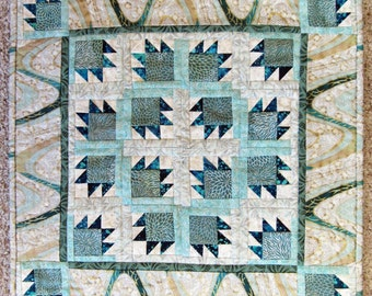 Frosty Bear Paw Quilted Wallhanging