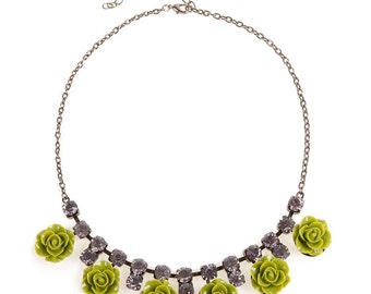 Green roses statement necklace