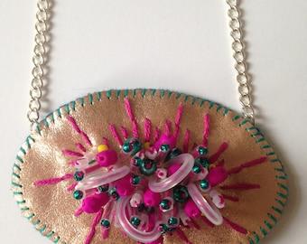 Oval Metallic Embellished Necklace