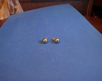 Monet vintage gold balls. clip earrings,very pretty