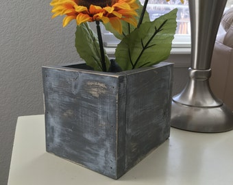 Wooden box for many uses!  Makes a unique centerpiece and fits one mason jar or 2 smaller jars.  Could use as planter also.  Great gift!