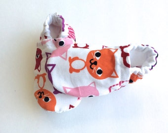 baby booties, baby shoes, toddler booties, toddler shoes, cats