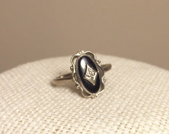 Antique Onyx and diamond chip ring set in 10k White Gold