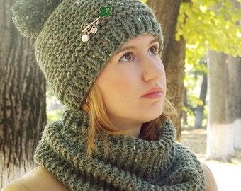 Pom-Pom Hat, Chunky Knit Hat, knit beanie, Winter Hat, chunky pom hat, Knitted hat, chunky beanie,  green cap, green knit hat, Cable knit