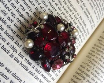 Beautiful Cranberry/Pink Rhinestone & Pearl 1950's Brooch