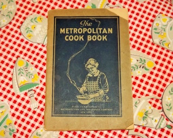 1925 The Metropolitan Cook Booklet by Metropolitan Life Insurance Company