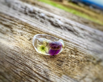 Real Wild Flowers and Amethyst Resin Ring