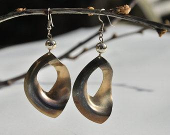 Vintage big dangle earrings / 1980