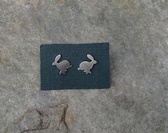 Running hare stud earrings - sterling silver
