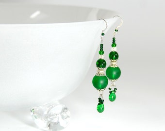 Dramatic emerald green dangle earrings