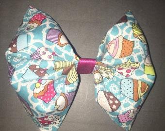 Blue cupcake bow