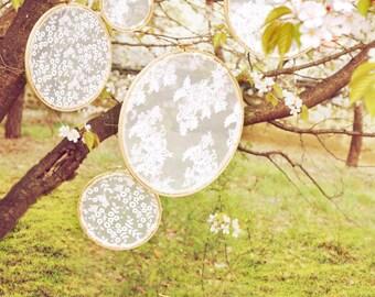 Vintage Wedding Lace Embroidery Hoops / Bohemian Wedding Backdrops / Wedding ceremony