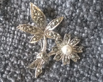 Vintage Marcasite and Pearl Brooch, Costume Jewelry, Mid Century Fashion, Marcasite Brooch, Flower Brooch