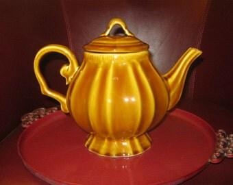 Style Eyes teapot by Baum Bros