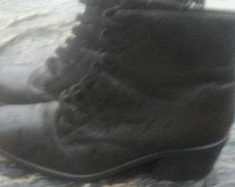Vintage aerosole boot