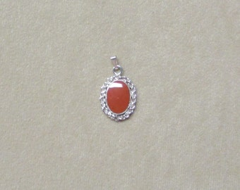 Jasper STERLING silver pendant with a delicate rope wire design .