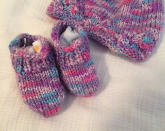 Knit Baby Booties with Matching Hat