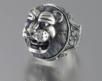 LION'S HEAD sterling silver statement ring with Blue Sapphire eyes