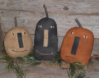 Set of 3 Primitive Rustic HALLOWEEN Grungy Pumpkins Jack O Lanterns Bowl Fillers Ornies Ornaments Tucks Shelf Sitters