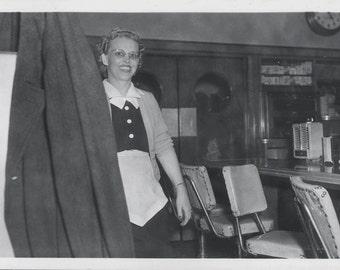 vintage photo 1960 Waitress in APron Uniform Diner Counter Jukebox