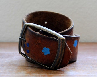 vintage Bohemian 1960s hippie SOUTHWESTERN hand tooled leather belt