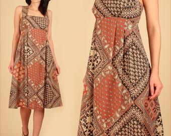 ViNtAgE 70's Indian Dress INDIA Floral Print // Babydoll SunDress // Empire Waist Cotton Blend HiPPiE Festival BoHo Scarf Dress Large L