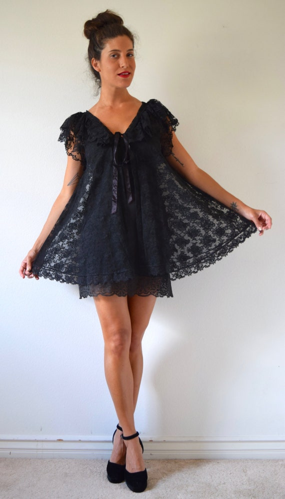 SUMMER SALE/ 30% off Vintage 50s 60s Inky Black Lace Babydoll Peignoir and Slip Set (size xs, small)