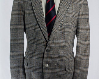 Men's Blazer / Vintage Sport Coat / Grey with blue plaid Jacket / Size 44   #2208