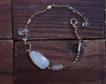 14kt Gold Moonstone Bracelet - Rock Crystal Bracelet -Dainty Bracelet -Freshwater Pearl Bracelet -Gold Rollo Chain Bracelet -Modern Bracelet