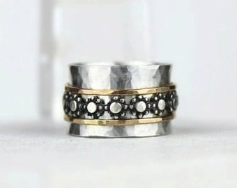 Wide Band Silver Spinner Ring with Hammered Gold and Flower Bands, Mixed Metal Meditation Ring, Daisy Chain Fidget Ring