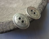 oval pewter button , oxidized antiqued pewter finish , ethnic dots  motif ,  metal casting  findings 4 pcs / 6aT-6576-40