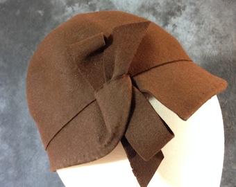 Vintage 1920's Brown wool felt cloche 22 1/2 Maison Lewis copy