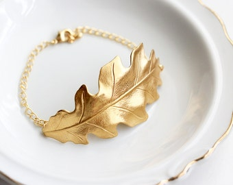 Gold Leaf Bracelet - Gold Acorn Leaf Bracelet Bridesmaid Gift Leaf Charm Wedding Bridal Gift Fall Autumn Bracelet Adjustable Leaf Cuff