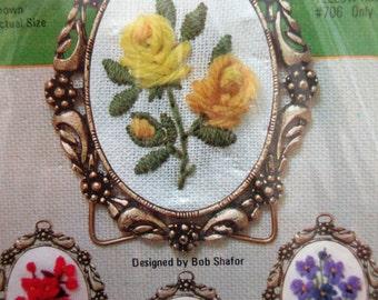 Vintage Stitchery Kit, Mini Flower Embroidery Kit, Yellow Roses, 1976 Kit Bit, Mini Metal Frame, 1970s Vintage Embroidery, Vintage Crafting