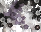 12 Daffodil Flower Beads Black Gray and White Mix and Match