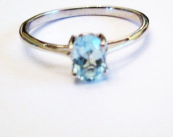 RING  - Blue TOPAZ  -SOLITAIRE - 925 - Sterling Silver  - size 10 -  Blue455