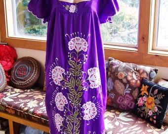 Salvador Dress, Embroidered Caftan, Violet Mexican dress, Purple ethnic dress, Purple Caftan, size XL